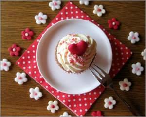 Red Heart Cupcake 3